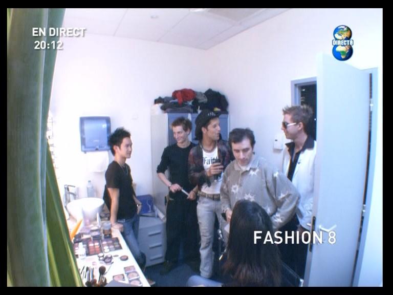 http://xor59.free.fr/07_10_2005_fashion8_01.jpg